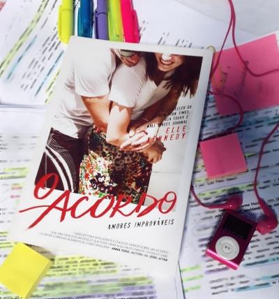 o acordo, elle kennedy, beleza de livros, blog, amores improváveis, resenha, eu amo ler, blog, livros, books, séries, editora paralela
