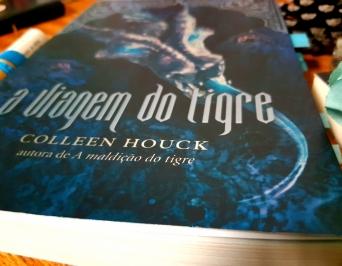 A Viagem do Tigre, Colleen Hock, Romance, Beleza de Livros, A maldição do Tigre, Resenha, BelezadeLivros